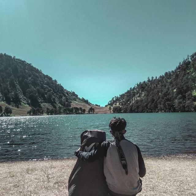 20 Gunung Terindah Di Pulau Jawa Bikin Kamu Ingin Mendakinya Danau Menunggang Kuda Pemandangan