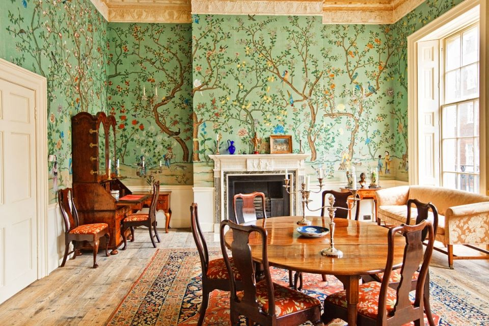 Pin by Vicbatchelor on de Gournay Chinoiserie wallpaper