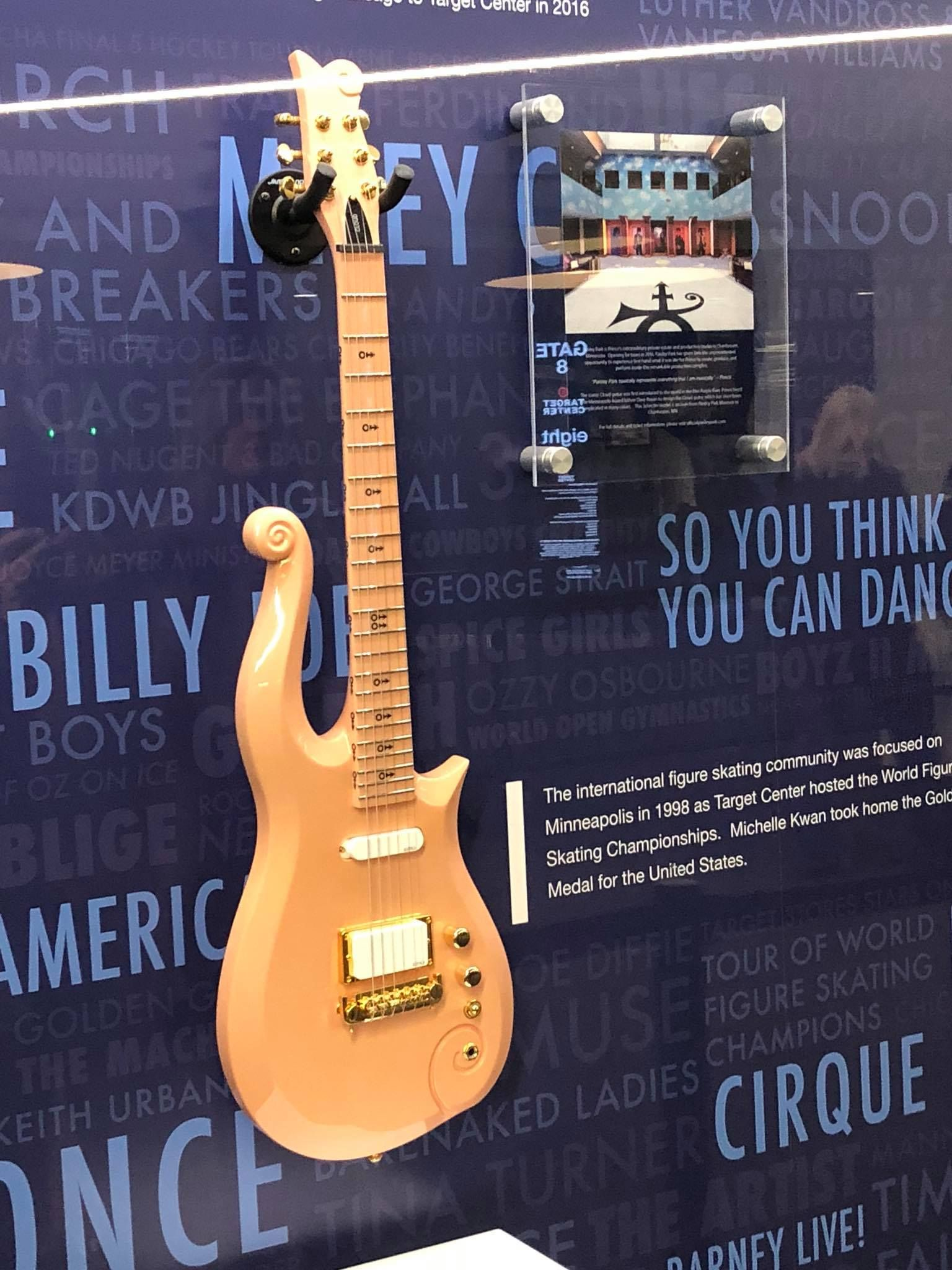 Princes Peach Cloud Guitar He Played On The Sign O Times Tour On