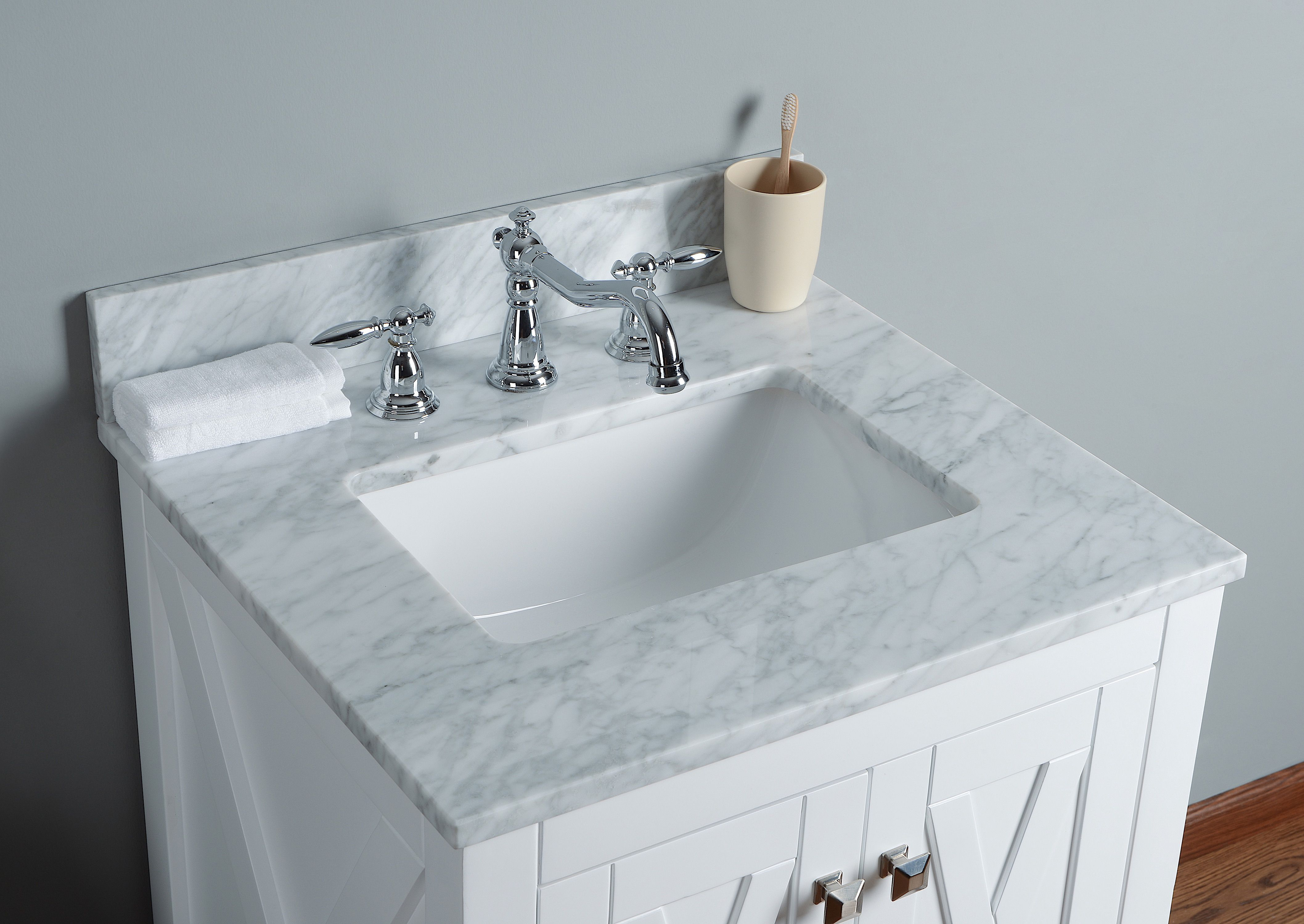 Pin By Salem Rondeau On Home Decor White Vanity Bathroom