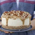 Salted Caramel Apple Cheesecake #caramelapplecheesecake