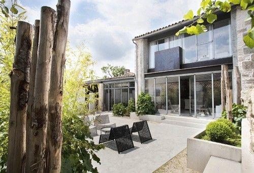 Location vacances maison Echire terrasse de jour exterior Pinterest