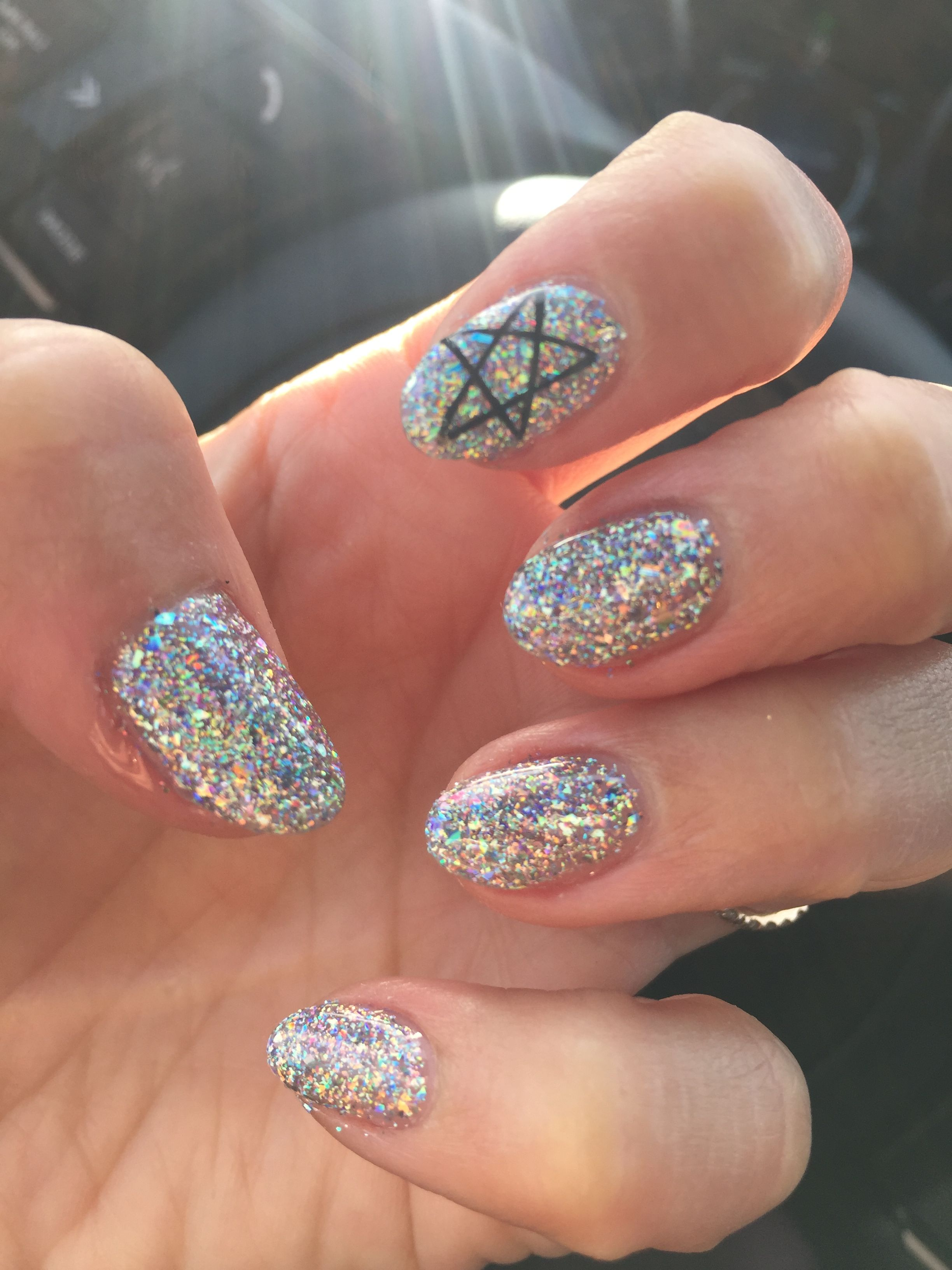 Korean Nail Trend Hologram Glitter Gel Nail Design With Black Star