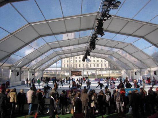 Ice Ring in Barcelona from tomorrow on! www.hotelcurious.com