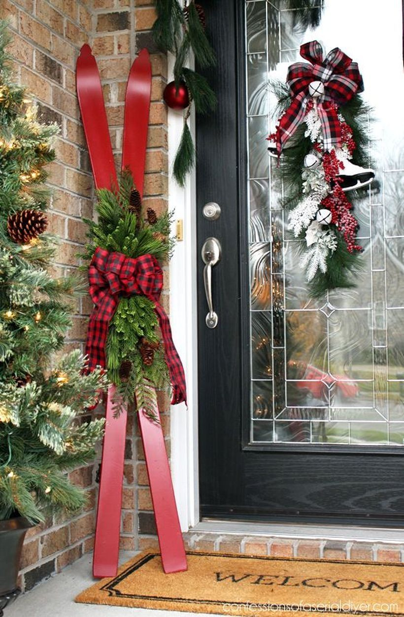 40 Cheap and Easy DIY Outdoor Christmas Decor to Complete Your Home Decorations