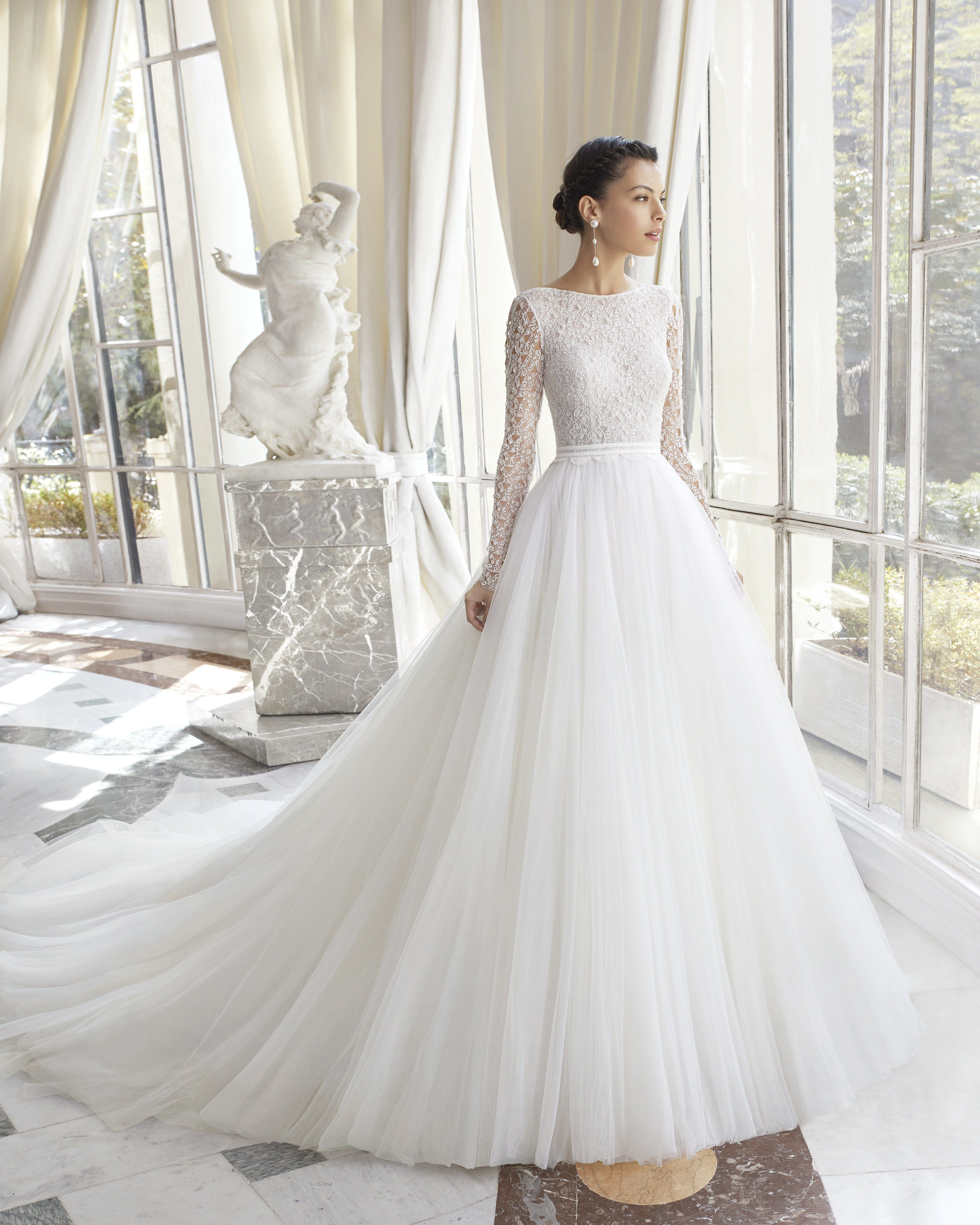 Princess Eugenie S Wedding Dress Will Probably Look Like This Wedding Dress Long Sleeve Online Wedding Dress Wedding Dresses [ 4157 x 3326 Pixel ]