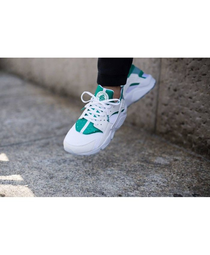 wholesale dealer 6074f 10666 Nike Air Huarache City Pack Paris Trainer Color is very simple, but the  work is very particular about, will not make you feel not outstanding.