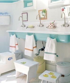 Charmant Kids Bathroom. Towel Rings At Kid Height