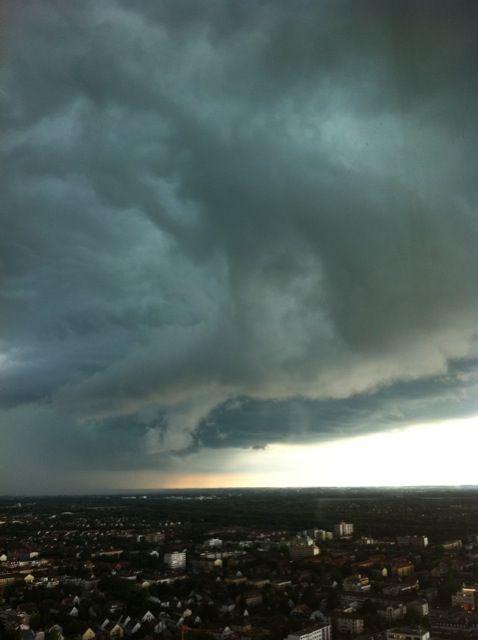 Das war ein krasses Gewitter und das im 26. Stock (ungefähr :-)
