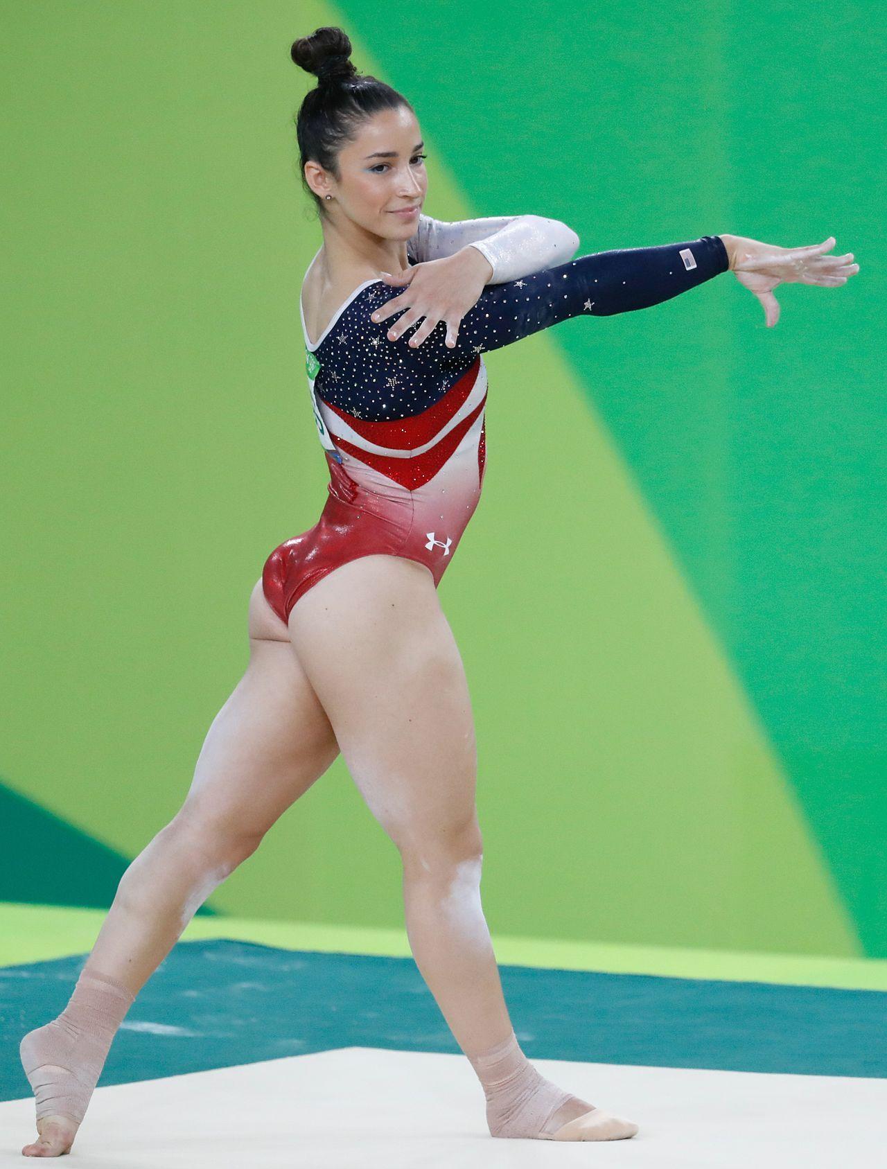 Sexy gymnast booty