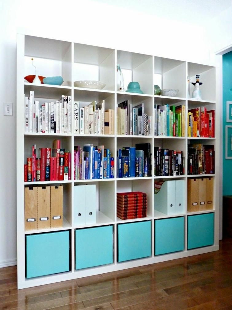 Eagere Ikea Utilisee Comme Meuble Bibliotheque Kallax Ikea Ikea Shelves Ikea Bookshelves