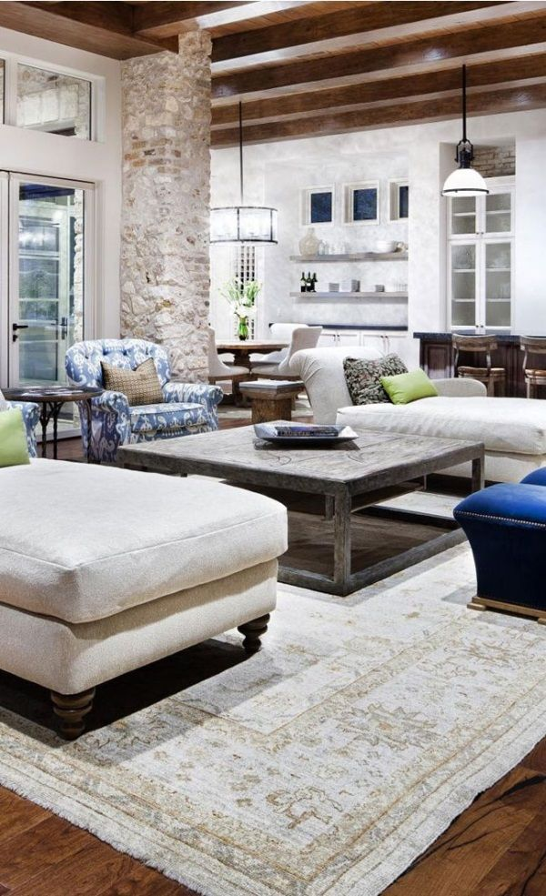 Jauregui Architects. [Blog with Design Tips] 3 Ways to Decorate in Gorgeous Colors with Oushak Rugs