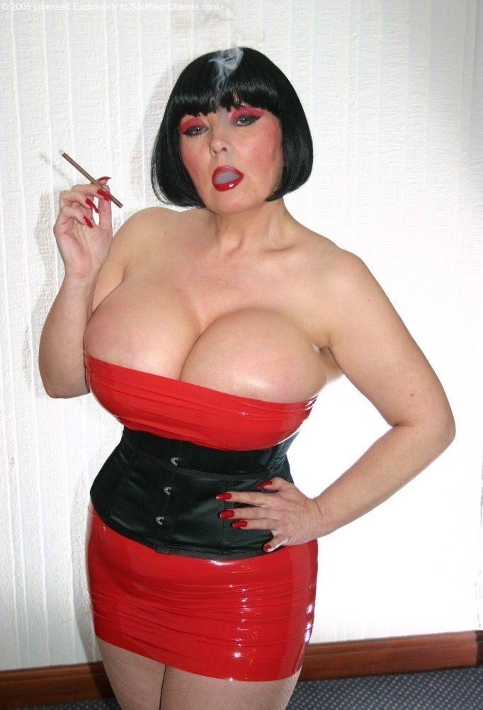Opinion you mistress busty deelite