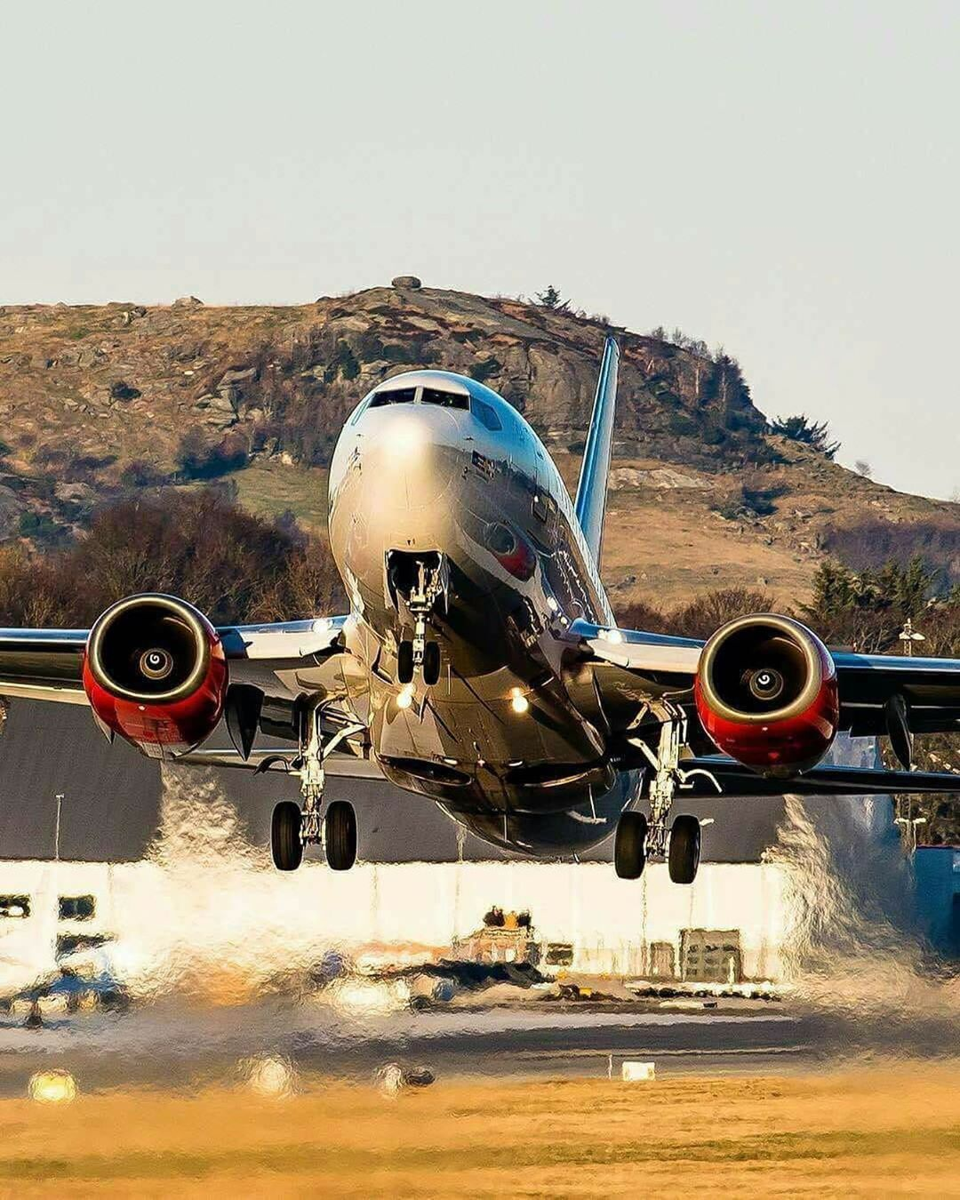 airport airports aircraft takeoff aviation Emirates