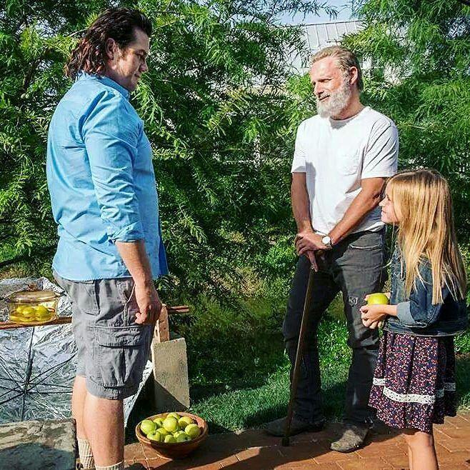 "99 curtidas, 2 comentários - Walking Dead - News (@1walkernews) no Instagram: ""#TheWalkingDead #season8 #episode9 (Honor). ××××××××××××××××××× #CarlGrimes #rickgrimes #carol…"""