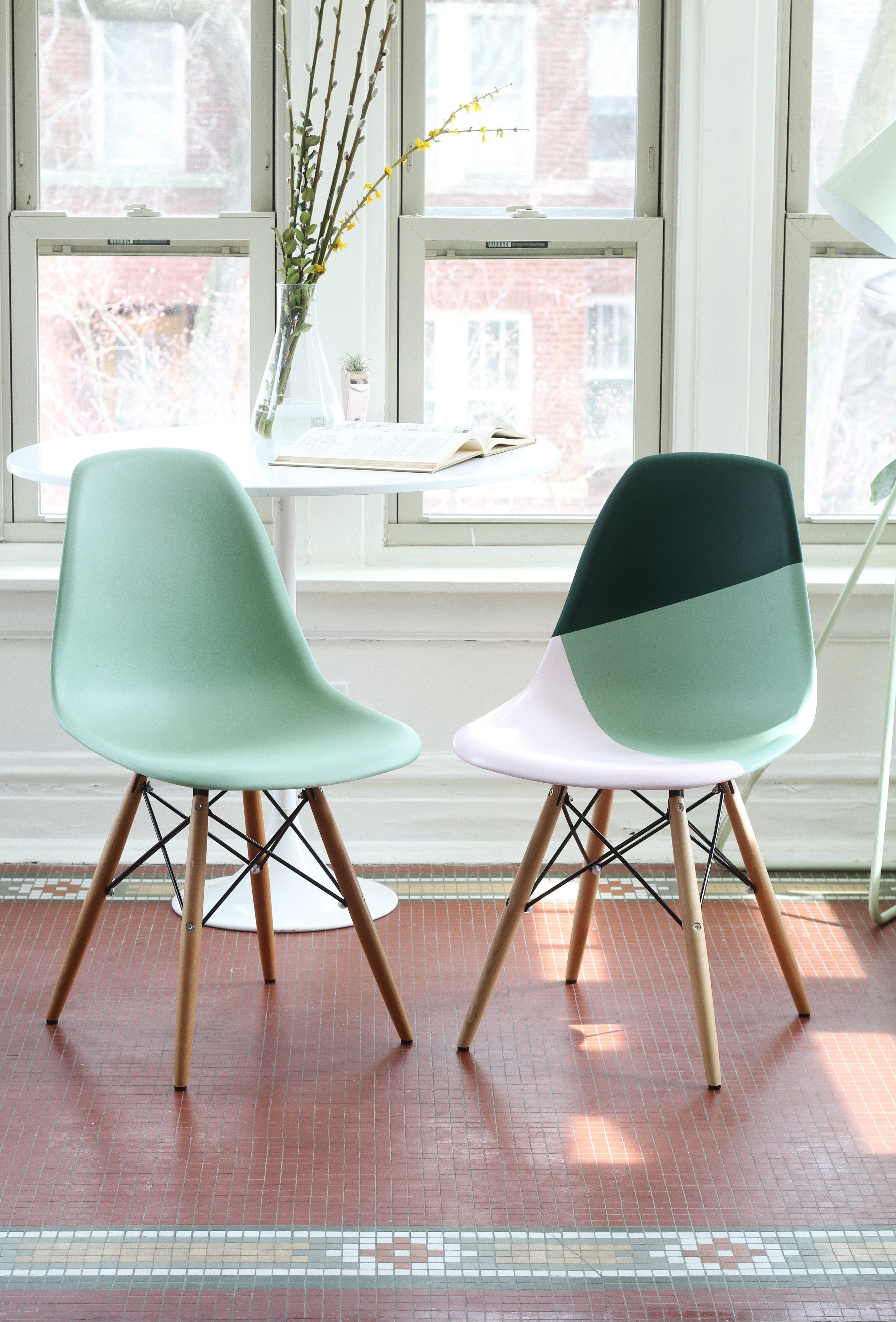 How To Paint Plastic Chairs Chair Cover Rentals Rochester Ny Learn Spray The Right Way Diy Pinterest Apartment Therapy Tutorials