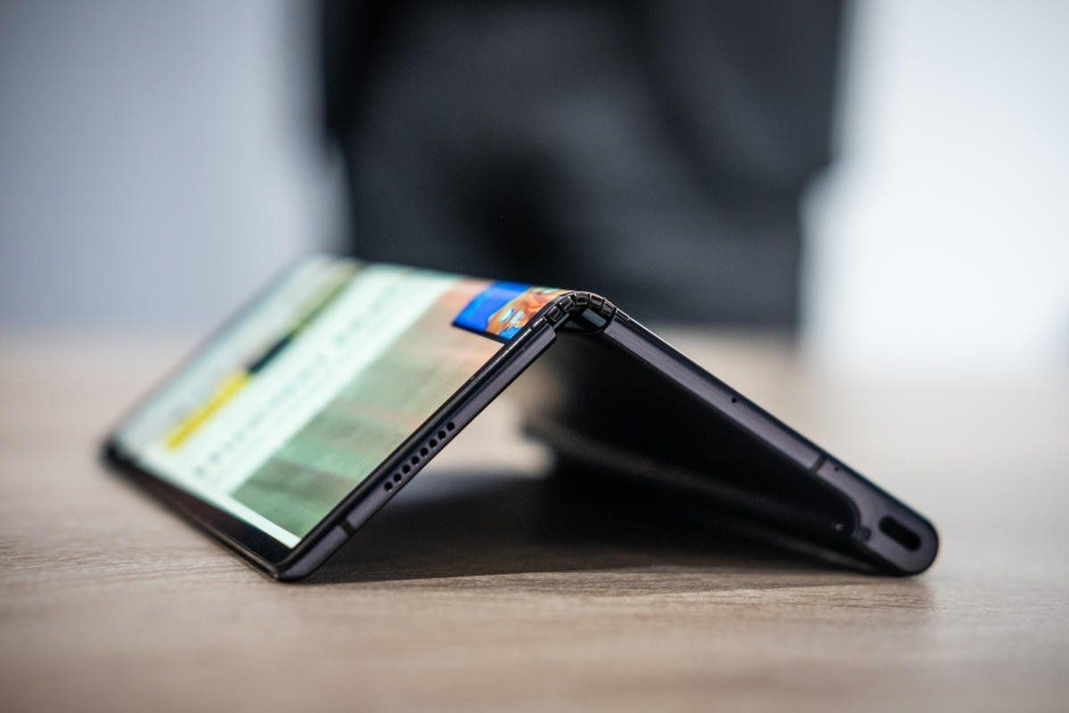 Huawei Follows Samsung In Delaying Its Mate X Foldable Phone Huawei Smartphone Huawei Mate