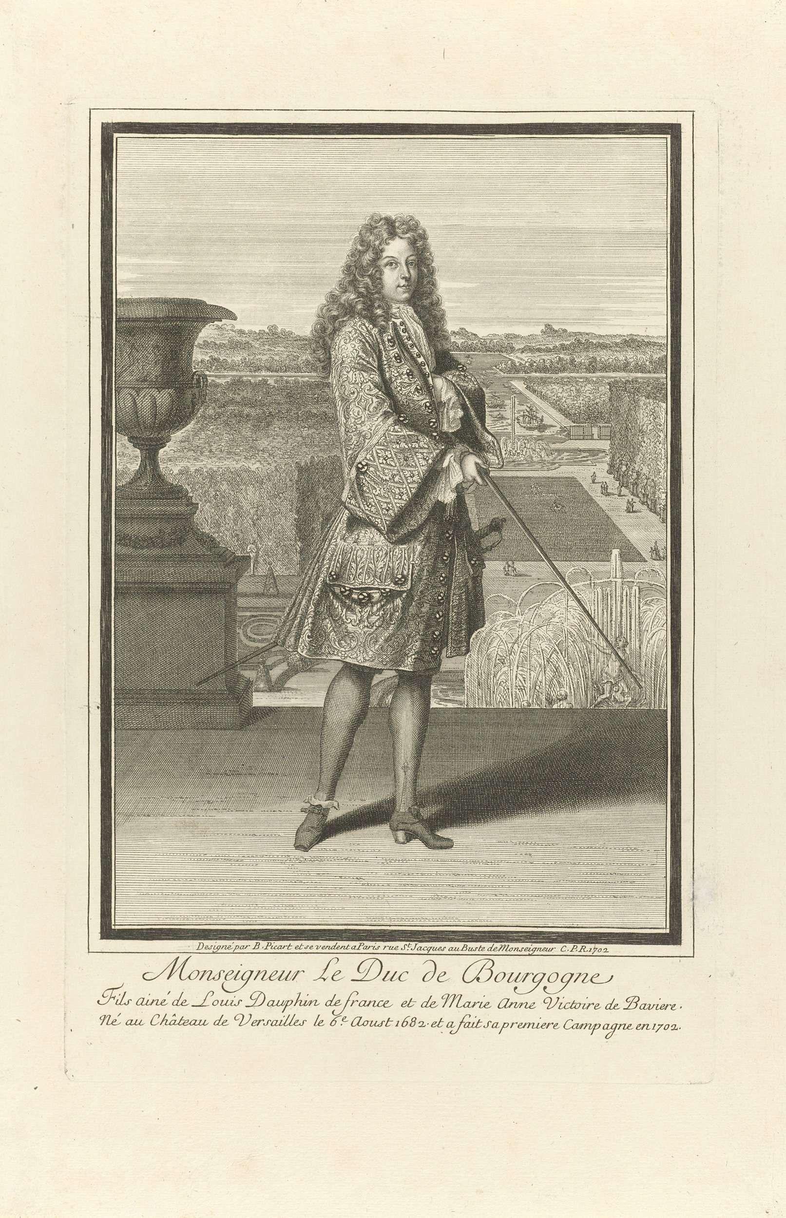 Etienne Picart | Portret van Lodewijk, hertog van Bourgondië, Etienne Picart, Lodewijk XIV (koning van Frankrijk), 1702 | Portret van Lodewijk, hertog van Bourgondië en dauphin van Frankrijk. Hij staat op een bordes, een wandelstok in de hand. Op de achtergrond een gezicht op de tuin van Versailles. In de marge een drieregelig onderschrift in het Frans.