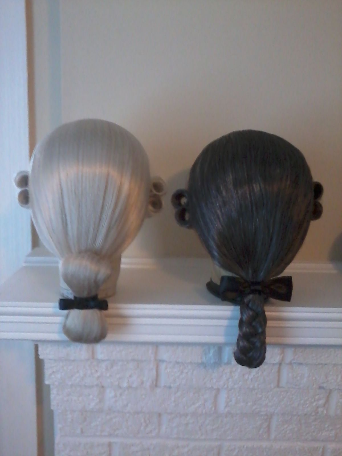 18th Century Men S Wigs I White Two Buckled Club And A