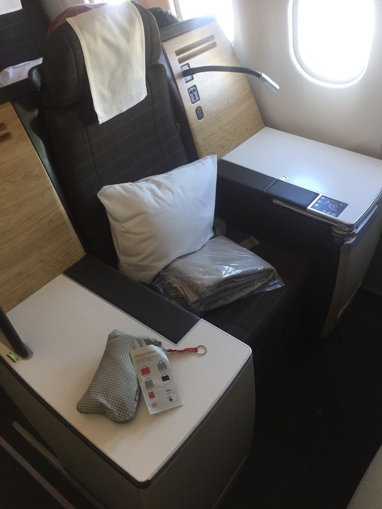 Review swiss business class throne seat on a330 montreal