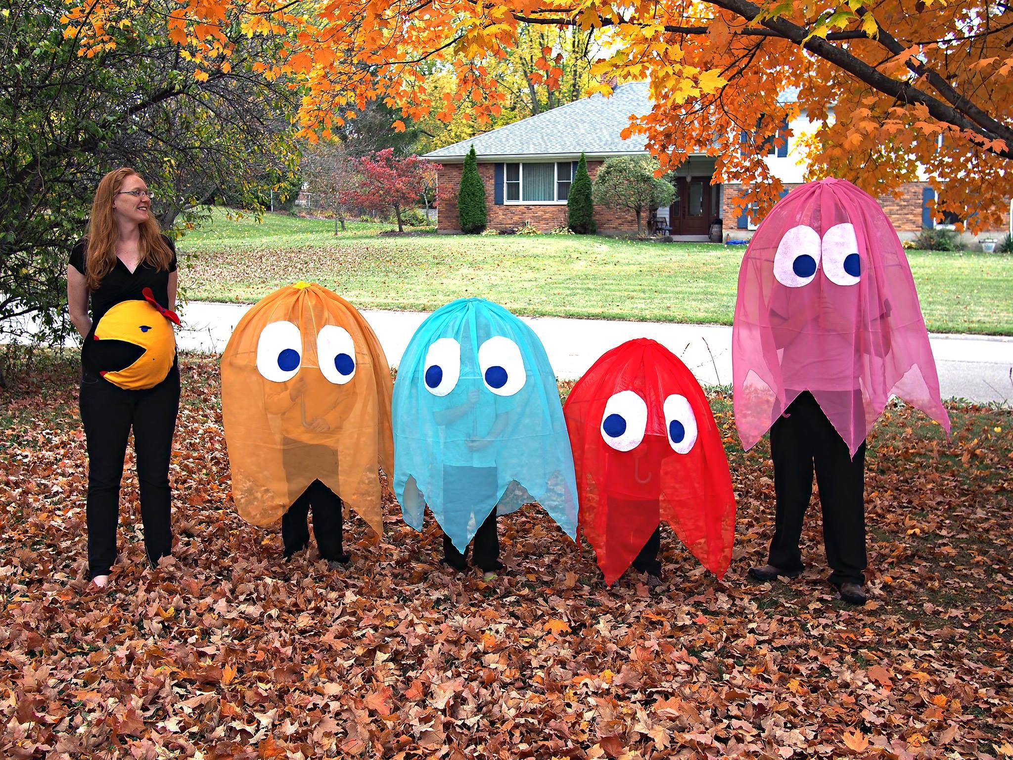 pacman family halloween costumes crafts pinterest kost m und fasching. Black Bedroom Furniture Sets. Home Design Ideas