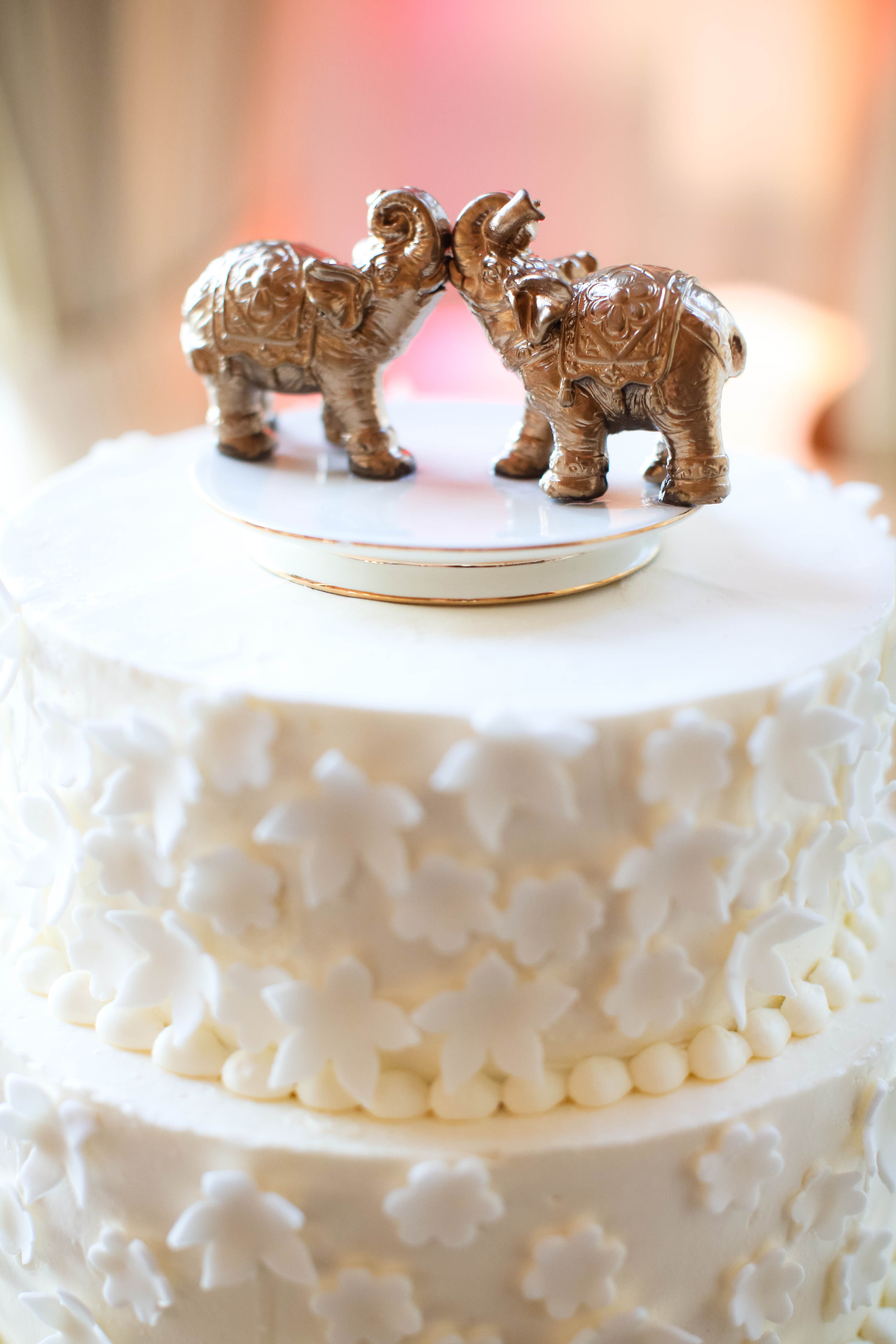 Elefant Cake Topper *KAY ENGLISH PHOTOGRAPHY* TheKnot