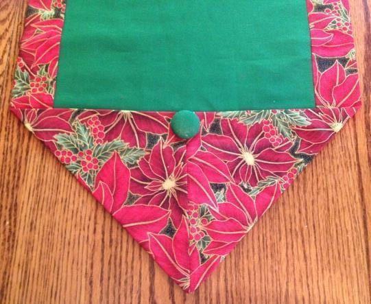 Table runner for Christmas, sz M, green inside & poinsettia pattern, coffee table scarf, Christmas decor, dresser scarf, handmade
