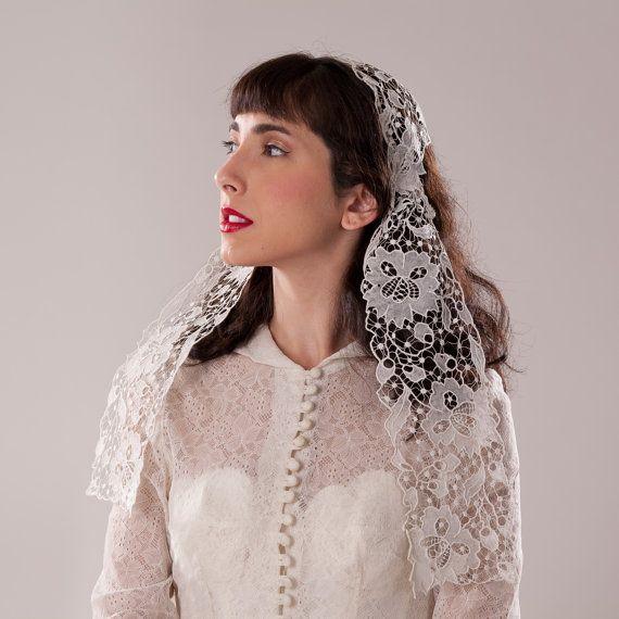 Vintage 1920s Needle Lace Veil  Juliet Cap by unionmadebride