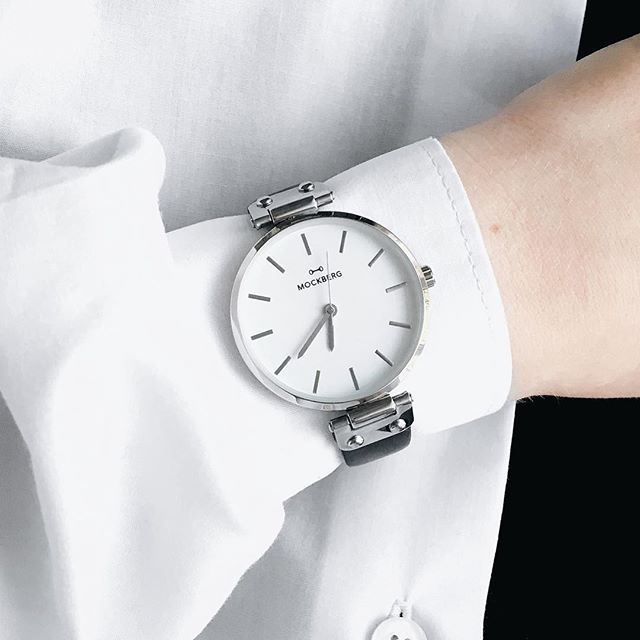 Because of the white shirt 👌🏻 @mockberg #watches #accessories