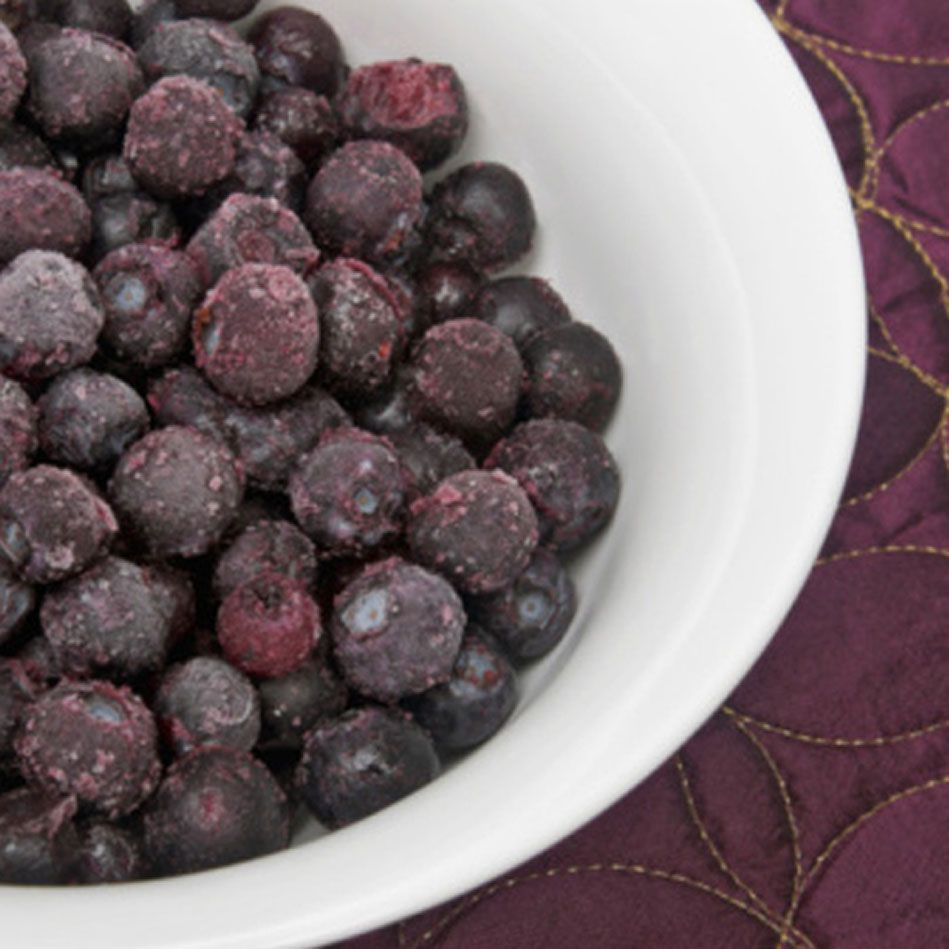 Dr. Oz's Revitalizing Fruit Smoothie Recipe || Blueberries provide antioxidants to neutralize cell-damaging free radicals and contain quercetin, a pigment that may increase the number of enzymes in the liver. The banana's vitamin B6 helps recharge detoxifying enzymes throughout the body, and ground flaxseed or chia seeds supply additional fiber for healthy elimination (as well as brain-nourishing omega-3s).