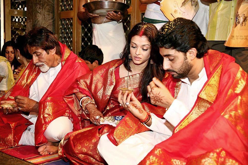 Aishwarya Rai Wedding 4 Jpg 1000 668 Sari Hochzeit Hochzeitsgalerie Eheringe