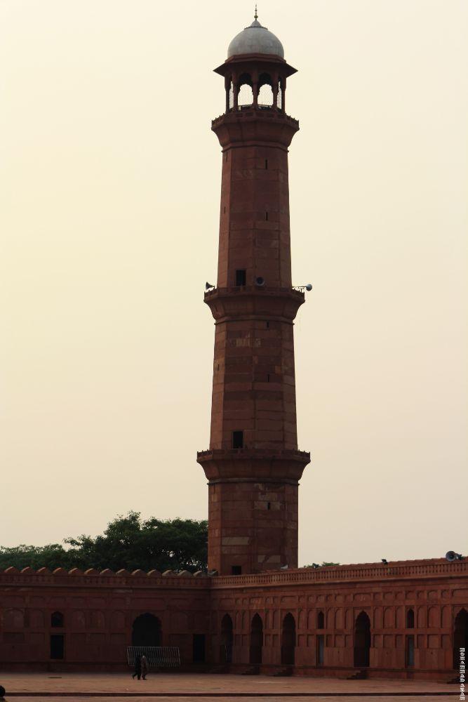 Badsahi Mosqe Lahore 56 by Mohammad Azam