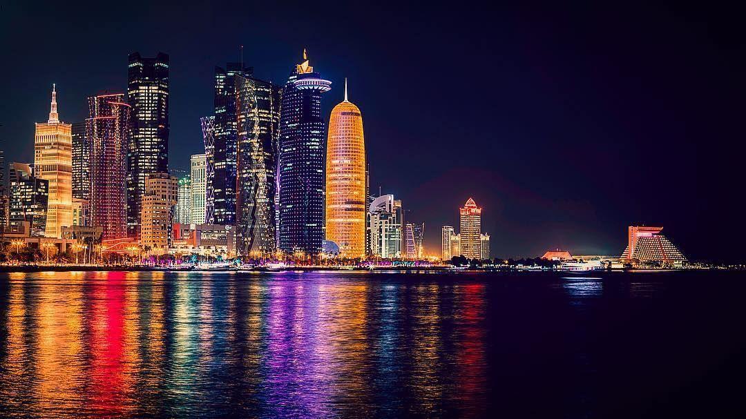 "323 Likes, 7 Comments - Qatarism   قطر الجميلة (@qatarism) on Instagram:  ""Good Night #Doha #Qatar ✨ 📷👤@jassim_al_thani TAG Your Awesome… in 2020    Qatar doha, Doha, Qatar"
