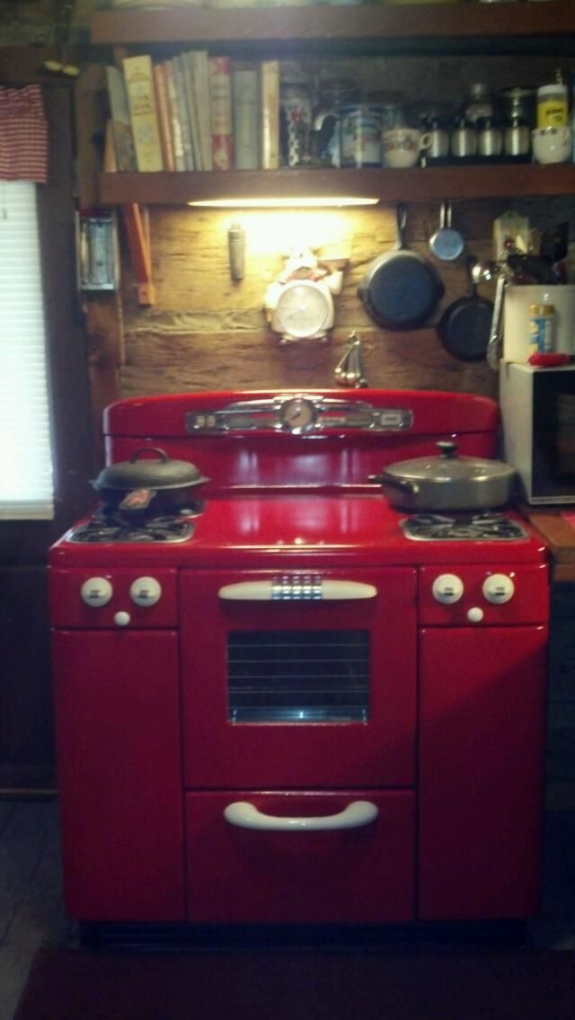 My Husband Painted Our White Stove Red A 1950 S Tappan
