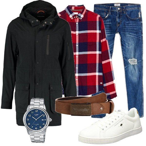 online store 85869 0c675 Camicia a scacchi rossa e blu, jeans e parka nero in cotone ...