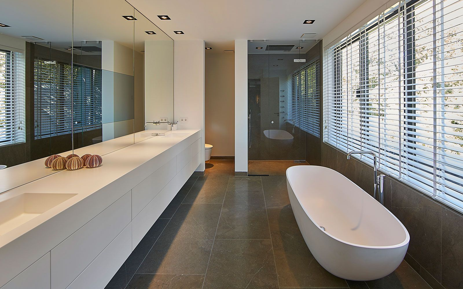 Symmetrische villa badkamer pinterest villas architects and
