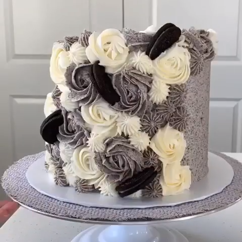 Oreo Buttercream Cake