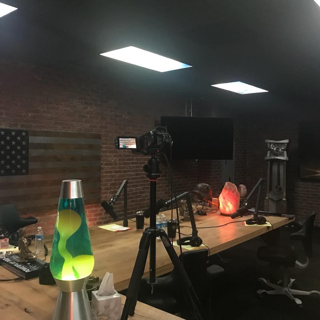 Joe Rogan Experience Podcast Equipment Studio Setup Jre Library Podcast Studio Home Studio Setup Studio Setup