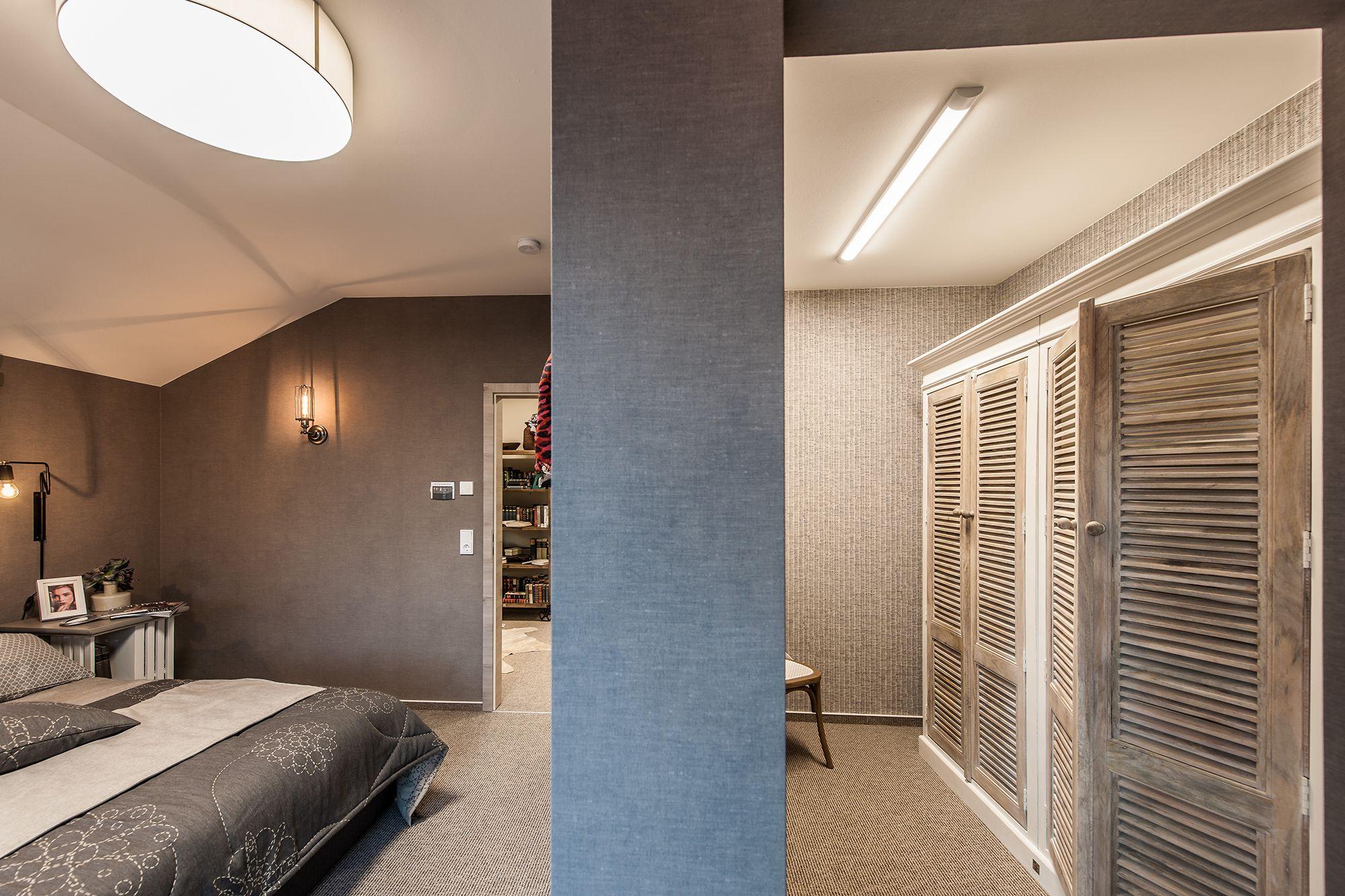 Wohnideen Großzügiges Schlafzimmer Mit Begehbarem Kleiderschrank - Schlafzimmer mit begehbarem kleiderschrank