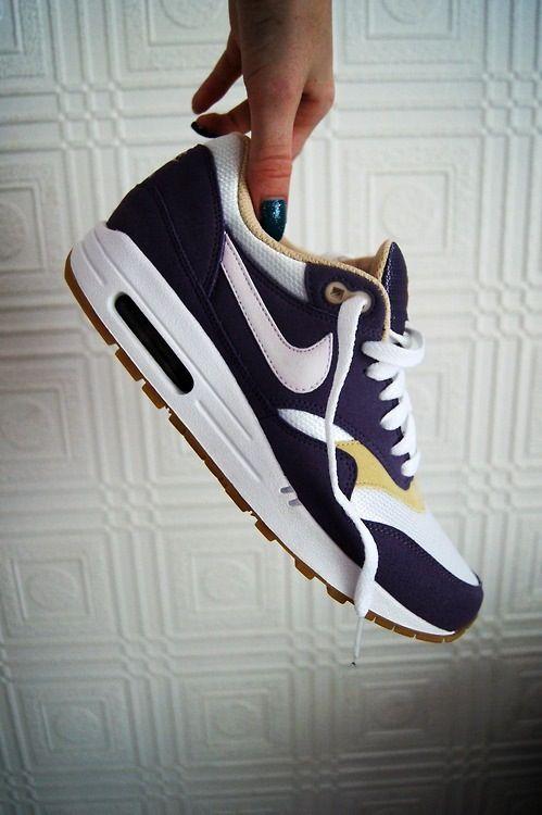 Air Max One Nike Running, Nike Free Runs, Running Shoes, Yeezy, Shoes