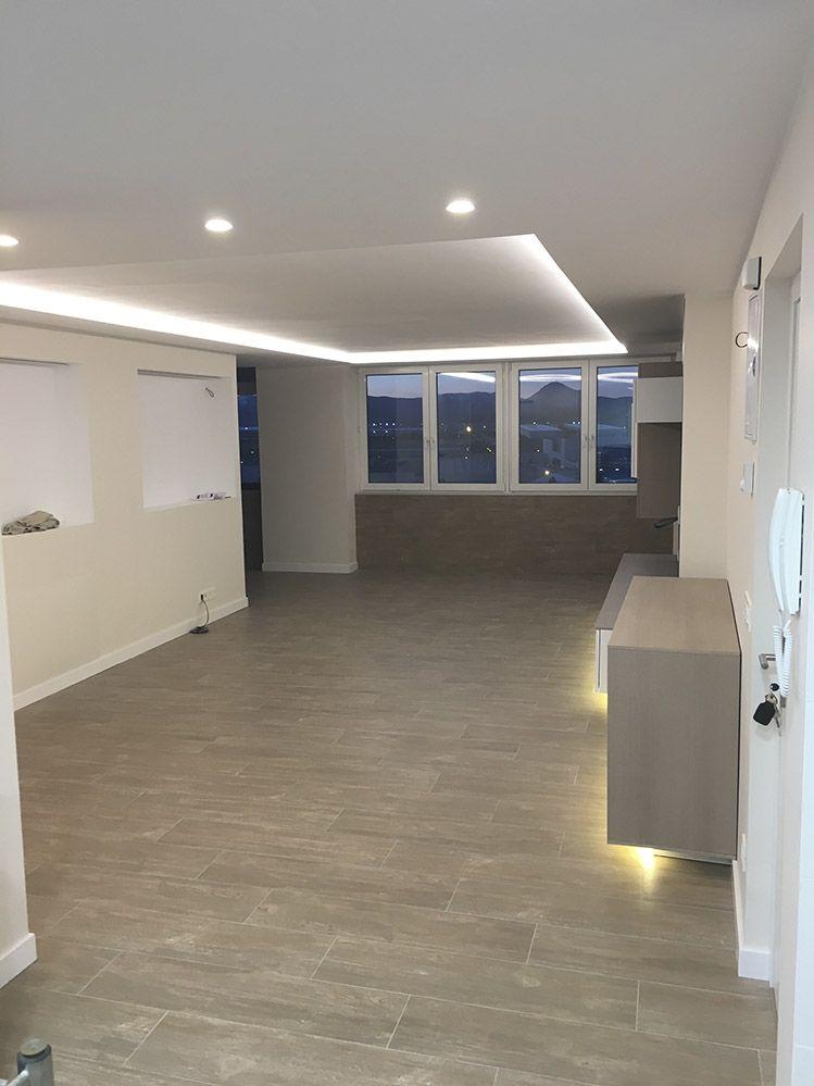 Salon Comedor moderno con luz led indirecta en el techo. | Salon ...
