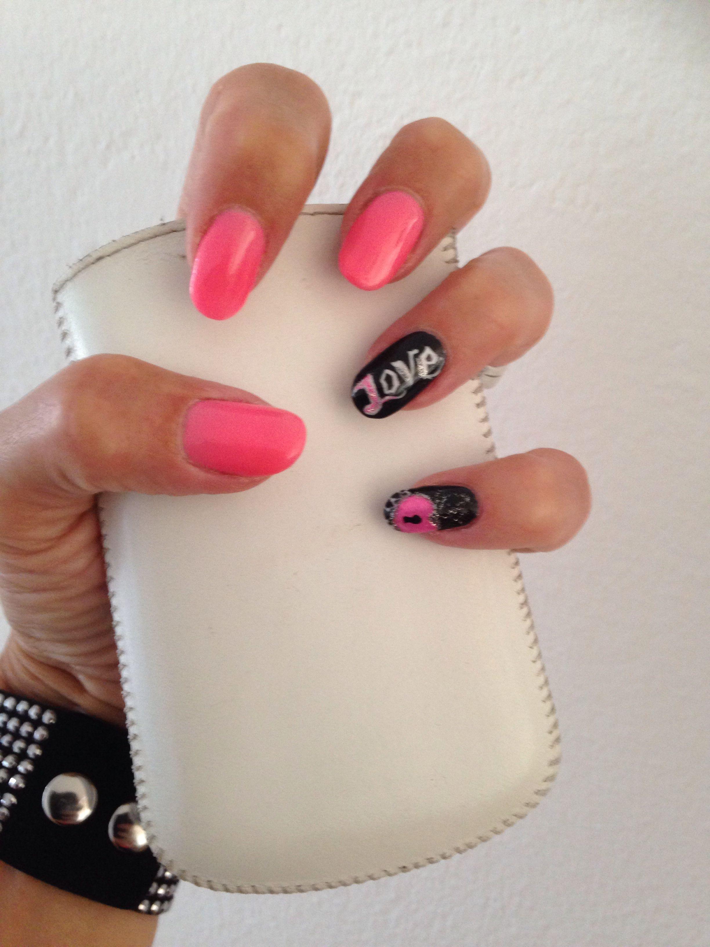 Pink and black nails. Love hart