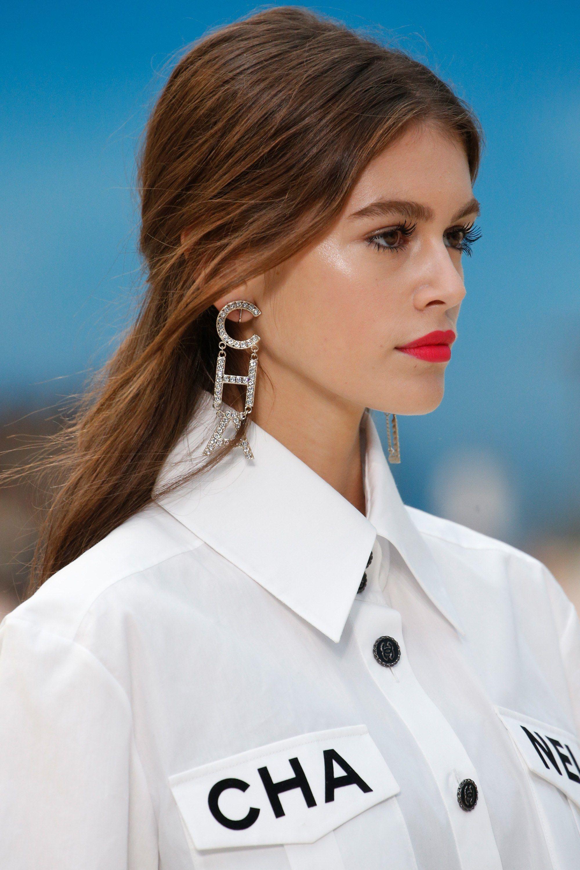 524e3560fddd Chanel Spring 2019 Ready-to-Wear Fashion Show in 2019 | Models ...