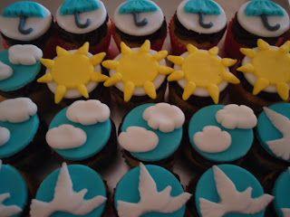"""Cor & Sabor Cupcakes: Aniversário """"Francisco"""" 1 aninho tema Aquarela"""