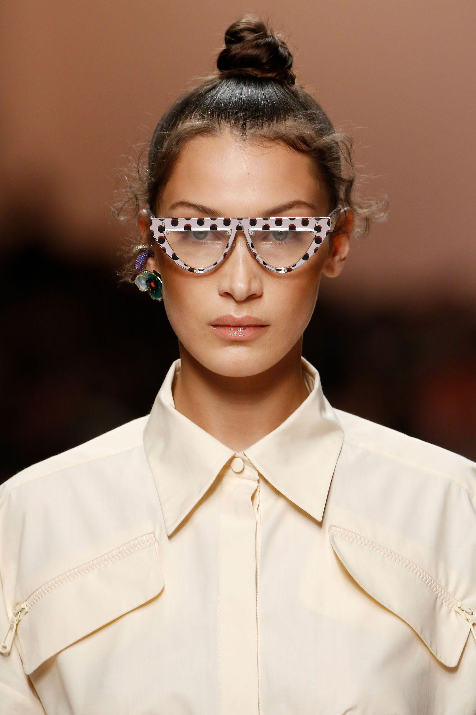 c0f970686441 Fendi Women's Spring/Summer 2019 Fashion Show | accessories in 2019 ...