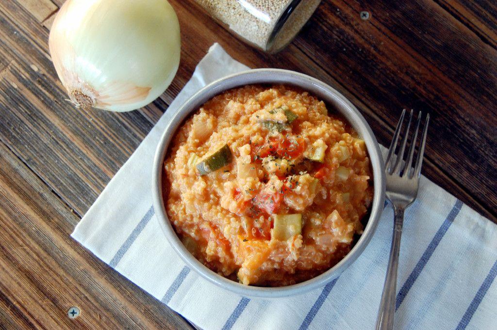 Crockpot Quinoa Risotto - made with tomato sauce, zucchini, and mozarella #Quinoa #Zucchini #Risotto #SlowCooker