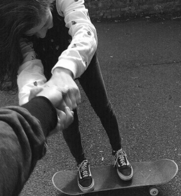 Rory Teaches Jo To Skateboard With Images Skater Couple