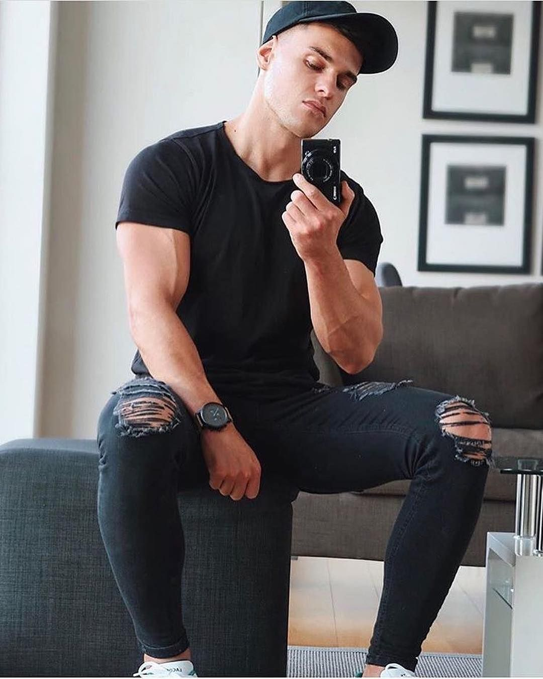 Black Out ⚫ Legend London Jeans have now been RESTOCKED 📦👖  roblipsett  Wearing the Ripped   Repaired Jet Black Jeans www.legendlondon.co 5a6ca00c38