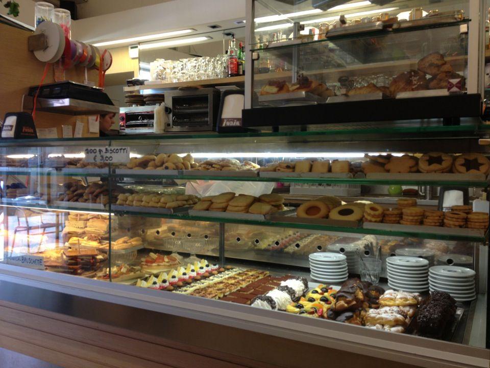 Bragora Small bakery, Small pizza, Pastry shop