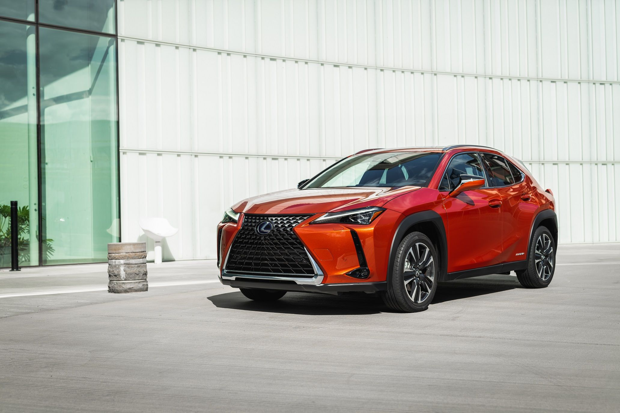 The All New Urban Explorer The Lexus Ux 250h Makes Its Canadian Debut At The Montreal International Auto Show Lexus Car Compact Suv